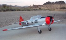 AT-6 Texan RC oorlogsvliegtuig Review